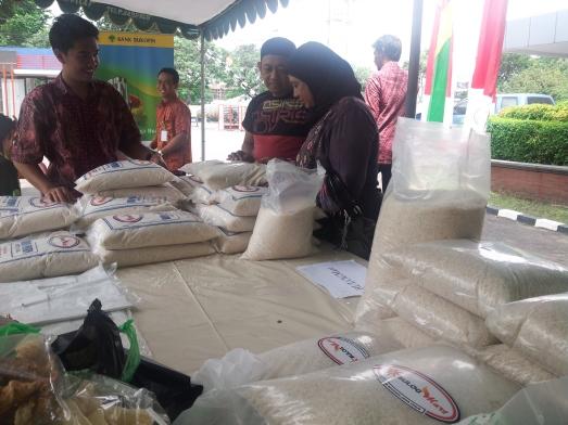 Beras dengan harga dibawah harga pasar, fresh dari penggilingan-penggilingan beras di seluruh JATIM